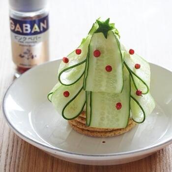 盛り付けもスペシャル!「クリスマスサラダ」の人気レシピ