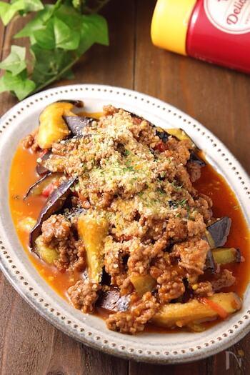 大き目に切ったナスは完成するころには、トロトロの食感に。トマト缶を使わず、生のトマトで素材ならではのおいしさを味わえるレシピです。野菜をたっぷり摂れるからだが喜ぶボロネーゼです。