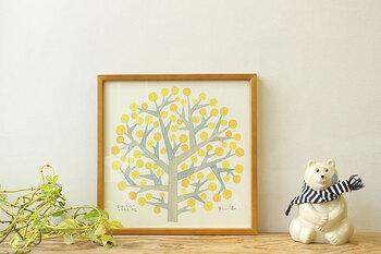 陶芸作家BIRDS'WORDS伊藤利江さんのポスター。一本の希望の木は、見ているだけで幸せな気分になれそう。30センチサイズなので程よい存在感もありつつ、優しい色合いがインテリアにしっくりと馴染みます。
