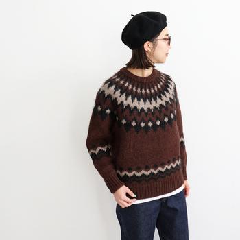 山形県寒河江市のニットウェアブランド「BATONER(バトナー)」のノルディック柄セーター。ベビーアルパカ、キッドモヘア、ウール、厳選された天然素材を混合した毛糸を使い、風合い柔らかく作られています。カラーは写真のブラウンの他、アイボリー、ブラックも。どれもノスタルジックで優しい印象です。