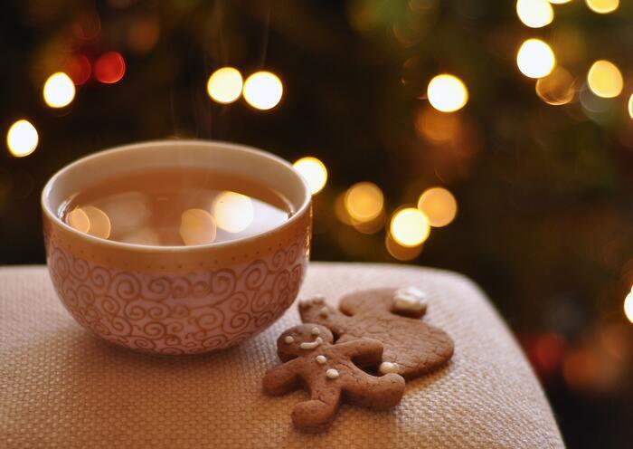 クリスマスクッキーといえばショウガの入った人型のクッキー「ジンジャークッキー/ジンジャーマン」。風邪などを予防するため、ショウガを食べることを広めたヘンリー8世(英国)をあらわしているという説も。