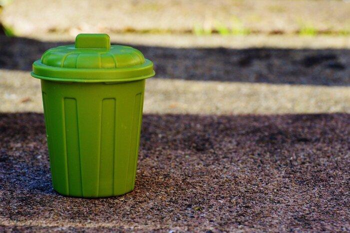 家の中にいくつもゴミ箱があることでゴミを集めるのが大変だったり、気が付かないうちに汚れがたまってしまうことも…ゴミ箱に感じるストレスも、あなどれませんよね。あなたの身の回りの、ちょっとしたものをゴミ箱代わりにするだけで、そのストレスから解放されるかも。