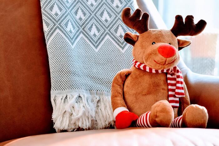 定番の椅子取りゲームも、BGMをクリスマスソングにすればクリスマス仕様に!子供用の椅子を人数分用意するのが難しい場合は、クッションや座布団で代用できます。