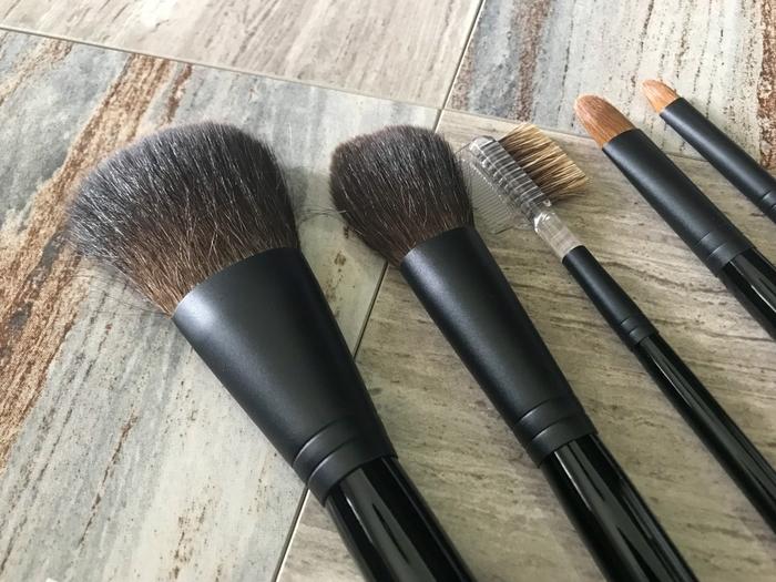 40代ファンデの選び方|毛穴落ちやシミの肌悩みをカバー!