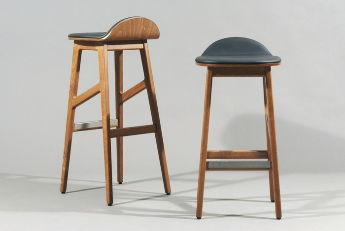 椅子などの家具や照明は、スタイリッシュなのに温かみのあるデザイン。「フグレントウキョウ」でコーヒーを飲んだあとは必ず立ち寄りたいですね♪