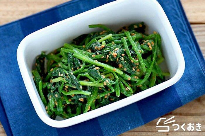 ゴマダレも覚えておきたいレシピです。茹でた温野菜にかけたり、しゃぶしゃぶやお豆腐などをより美味しくしてくれます。