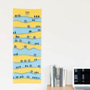 人気のLISA LARSONの手ぬぐいカレンダーは、さり気なく飾っても額縁に入れてもサマになる1枚です。 カラーは明るいですが、布の質感とあいまって大人っぽい印象も。