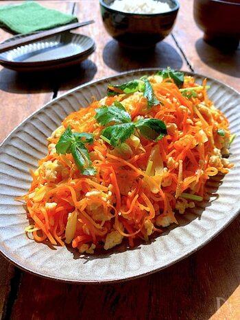 鶏ひき肉のコクと旨味に生姜のすっきりとした風味がいいアクセントになっています。お弁当の彩りとしてプラスしてもいいですね。