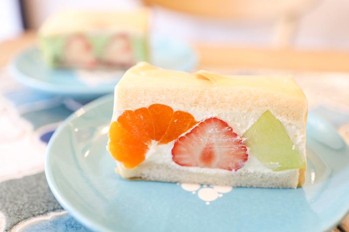 国産のフルーツと天然酵母のパンを使って、毎日手作りしているフルーツサンド。くだもの本来の甘さと上品な生クリームのバランスが絶妙で、いくらでも食べられそう。
