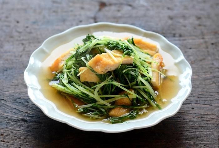 水菜のシャキシャキ感と、だしが染み込んだ油揚げが絶品。しょうゆ&みりんのシンプルな優しい味付けにホッとします。
