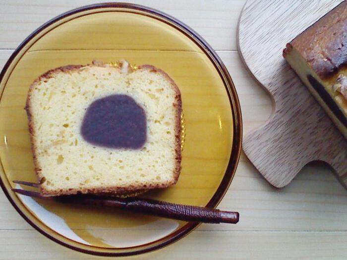 和の香りが紅茶にも日本茶にもあう手作りパウンドケーキ。白味噌、こしあん、柚子ジャム、それぞれ手作りの作り方が紹介されていますが、市販品でもおいしく作れます。