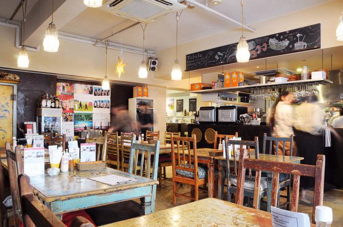 映画の後は、併設レストランの「タベラ」で休憩♪カジュアルな空間で多国籍料理を味わえます。もちろん映画を観ていなくても利用できます*