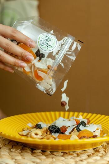 □オススメ食材…玄米、ごぼう、サトイモ、れんこん、モロヘイヤ、切干だいこん、ひじきなど □素材を生かしたシンプルな調理法がgood。 □食物繊維が豊富なドライフルーツを間食やおやつ代わりに!