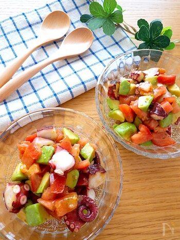 火を使わないお手軽レシピ。具材を切って調味料と合わせれば出来上がり!具材を小さめに切ると、スプーンですくって食べやすいですよ。