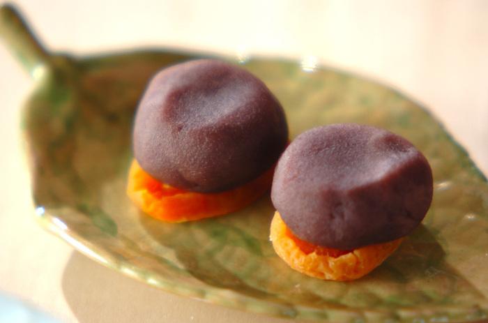 材料は二つだけ♪こしあんのおいしさをそのまま味わえる、かわいらしい和菓子でほっこりと休憩しませんか?好きなドライフルーツを組み合わせてみても。