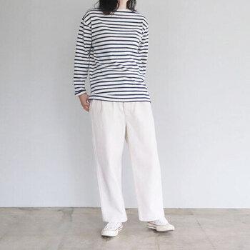 秋冬コーデをパッと明るく*「白パンツ」を使ったおしゃれな着こなし