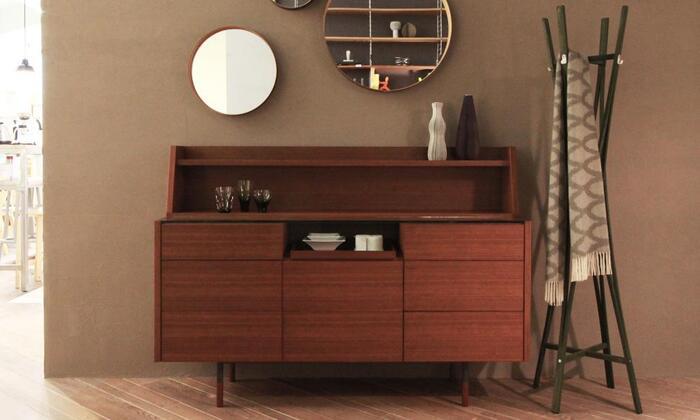 50年代を舞台にした映画のため、北欧家具デザインが活気に満ちていた時代を感じる家具たちは、おしゃれで大人の洗練さが漂います。デザイナーズ家具として、今でも人気が高いアイテムも出てくるため、素敵なインテリア選びの参考になります。