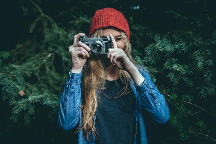 今はスマホでも簡単に高画質な写真を撮れる時代。撮影した写真をSNSなどに投稿しているという人はきっと多いですよね。写真が好きな人は物事を観察する力や視覚的センスなどに優れているはず。自分の目線で世界を切り取れる立派なアーティストです。