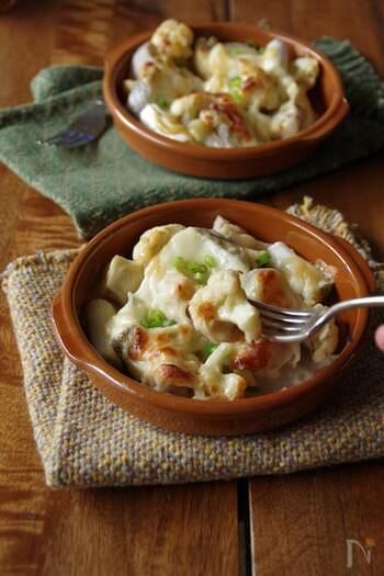 タラ、味噌、チーズとトリプルで「プロテイン食材」を使ったレシピ。下準備をしたら後はオーブンにお任せで放って置けるのもうれしいポイント。お魚が苦手な家族も食べやすい一品です。