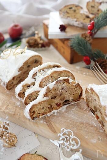 ドイツのクリスマス定番焼き菓子と言えば、やはりシュトーレン!保存期間も長く、本場のドイツではクリスマスの4週間前から楽しむそう。紅茶やコーヒー、そしてワインにも合う万能焼き菓子です。