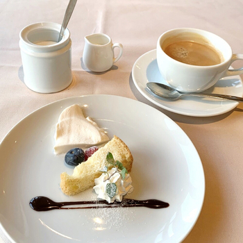 カジュアルなランチセットですが、デザート&コーヒーまでしっかりと。まるで高級イタリアンレストランに来たかのような気分を味わうことができますよ♪