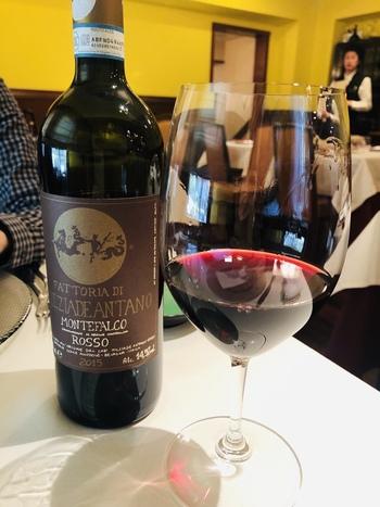 メニューに合わせてセレクトしたイタリアンワインもたくさんそろっています。大切な人とちょっと特別なランチワインも素敵ですね。
