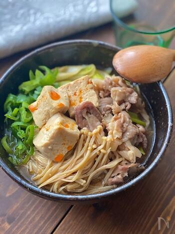 味の染みたお豆腐をたっぷり食べられる「ごちそう豆腐」レシピはいかがでしたか?  女性には嬉しい大豆イソフラボンも摂れるお豆腐は高たんぱく、低カロリーでとてもヘルシー。日常的にしっかり食べていきたい素材のひとつですよね。  今回、ご紹介した味しみお豆腐レシピを活用して、変幻自在なお豆腐の美味しさを堪能してみてくださいね♪