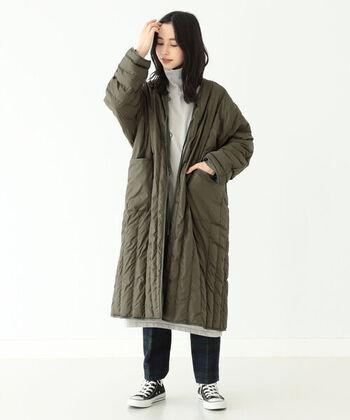 リバーシブルの裏は、人気のライナーコート風の生地にパターンが施されており、よりワイルドな着こなしを演出できます。