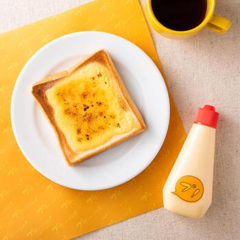 そのまま吸うように飲んだり、パンに絞って焼くとデザートトーストに。いろんなアレンジが楽しめるのが魅力です。