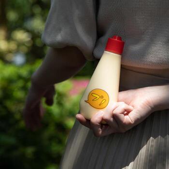 プリン専門店「プリーーーン」のチューチュープリンは、飲んで食べるという大人気商品です。マヨネーズのような容器がなんともユニークで遊び心いっぱい!