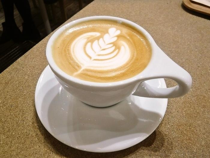 ドリンクはハンドドリップコーヒーやアメリカーノ、カフェラテなど。コーヒーをお得に楽しみたい方のために10枚綴りの「COFFEE TICKET」も販売中。これがあれば、訪れる回数も自然と増えそうですね。