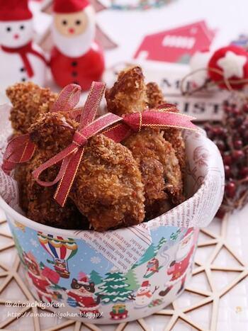 乾燥タイプのパン粉で作るザクザク感が美味しいフライドチキン。子供から大人まで大好きなフライドチキンはあっという間になくなってしまいそう。せっかくならクリスマスパーティーらしく豪快にバケツ盛りにしてはいかがでしょうか。