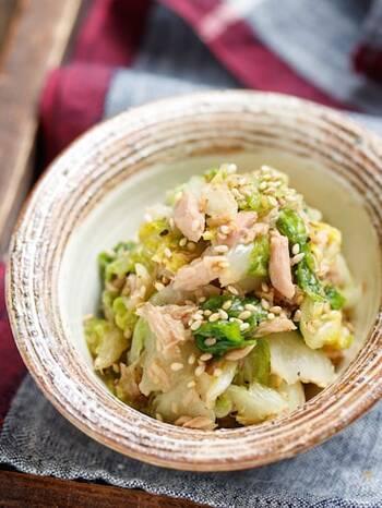 ずっと食べられるほどおいしい無限白菜。ポリ袋の中に材料を入れても見込むだけで、あっという間に完成のお手軽さ。ツナの旨味が白菜をおいしく仕上げてくれますよ。