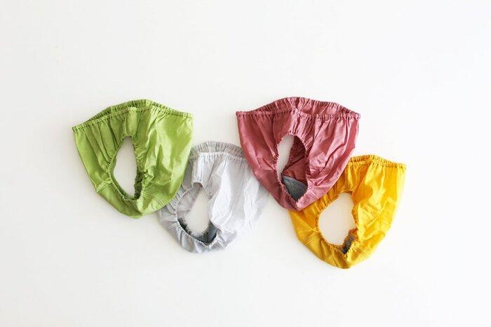 コットンで作られたパンツは、ふんわりとした立体感でお尻を包み込んでくれます。付かず離れずの着心地が快適で、リピートする人もいるほどです。内布はオーガニックコットンでお肌に優しく作られています。