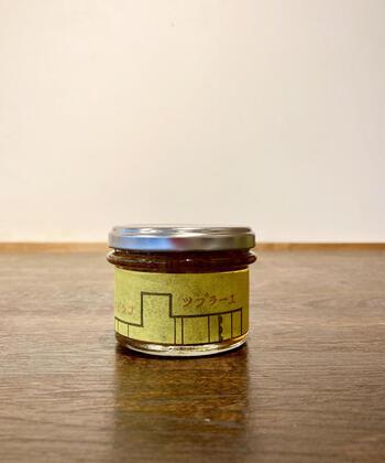 こちらのラー油は、先ほどご紹介した「薬膳ジンジャーシロップ」で搾った後の生姜を活用したもの。材料を無駄なく使うエコな姿勢がステキですよね。