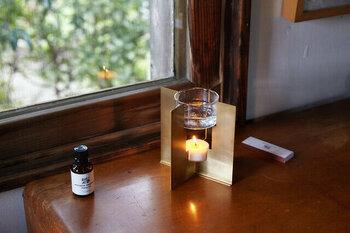 フレグランスオイルの香りはもちろん、キャンドルの優しい灯りにも癒されそうですね。 ちょっと特別なリラックスタイムにいかがでしょうか?