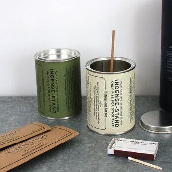 軍への支給品をモチーフにデザインされたお香セット。アルミ缶の中に挿して使うので実用性も◎ #03のFruits flavorならお部屋を甘く優しい香で包みます。