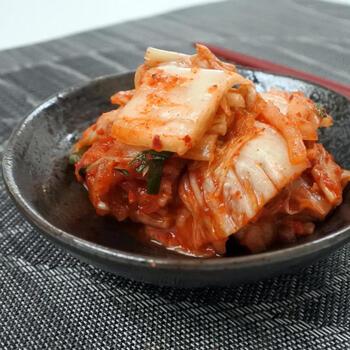 キムチが好きにぜひ試してほしいのが自家製キムチです。漬かり具合で味わいが変わるので、好みのタイミングの物が食べられるのは手作りならではです。