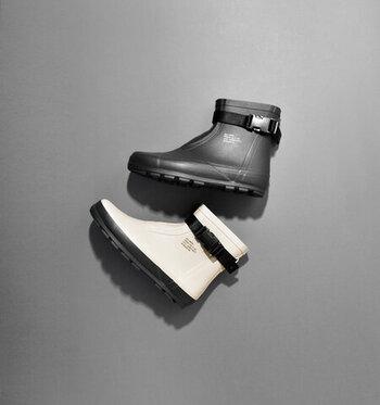 土木作業現場や水産加工場など、多用途の作業用ゴム長靴として幅広く使用されてきた「ベスターL03」をルーツとした「MARKE」。日常使いのレインブーツとしてはもちろん、アウトドアシーンでも大活躍!
