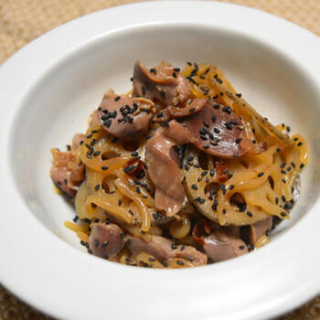 甘辛味のきんぴらは、子どもから大人までみんなが大好きな味。蓮根と砂肝の組み合わせも相性抜群です!冷蔵庫で4~5日保存できます*