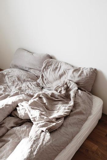 ハーブティー特有の天然由来の香りや鮮やかな色彩には鎮静作用も期待できるため、寝る前に飲むことでアロマテラピーのような効果をもたらしてくれます。心身ともにリラックスした状態を作ることでスムーズに寝付けるのはもちろん、良質な睡眠をとることができるでしょう。