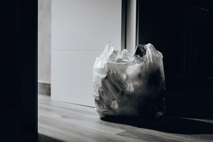 溜まったゴミは臭いの原因になるので、留守前に必ず処分しておきたいですよね。年末年始は特に、ゴミの回収日を前もってチェックしておきましょう。