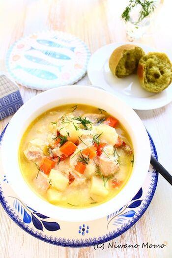 こちらはフィンランドの『ロヒケイット』というスープのレシピ。鮭をはじめ、じゃがいもやにんじんなどの野菜が入ったミルクベースのスープです。鮭を最後に加えるのがコツで、煮崩れや硬くなるのを防いでおいしく仕上がります。