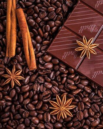 カカオによって個性の異なるチョコレートの香りや風味。さらに、スパイスやコーヒー、ワインなど、他の香り成分を補うことで、風味や深みがぐっと増します。大人の味わいのおしゃれなチョコスイーツを作ってみませんか?