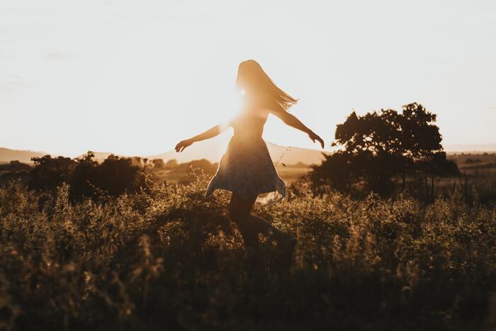 自分の生き方に悩み、考えや方向性が定まらない時は、誰にでもあるのではないでしょうか。本は、他の人の経験・知識の宝庫。「生きること」を深く考えたい時には、良い先生になってくれることでしょう。そしてヒントを得ることができたら、選択に迷うことも減り、自信をもって自分の道を歩めるかもしれません。