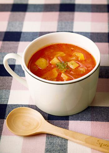 おなじみミネストローネにジンジャーをたっぷり入れて。野菜の栄養たっぷりのスープに生姜も入れれば、よりぽかぽかのスープになりそうです。材料を準備しておけば、30分以内で作れますよ♪