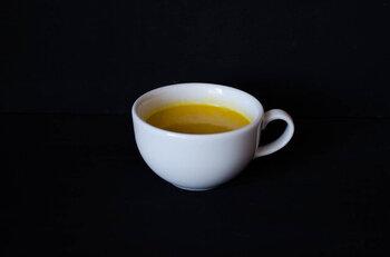 普段の食卓はもちろん、体に滋養のあるスープはおもてなしにもおすすめ。ひと口食べると、野菜の甘みや香りが口いっぱいに広がり、とても贅沢です。ストックしておくといろいろなシーンで活躍しそう。