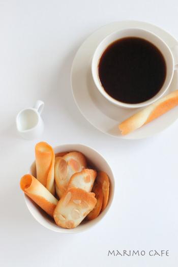 アーモンドが香るサクサクの薄い生地。見た目も、お味も軽くて上品な焼き菓子です。さっくり軽い食感に、クセの少ない中浅煎りコーヒーが合いそうです。
