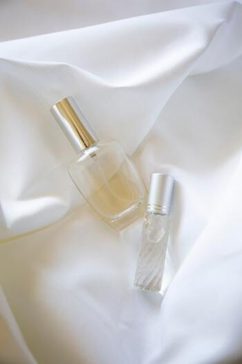 好きな「香り」はありますか?部屋や洋服など身の回りを好きな香りでコーティングすることで、気分がリラックスし、どこか凛とした前向きなモチベーションを維持できるように。