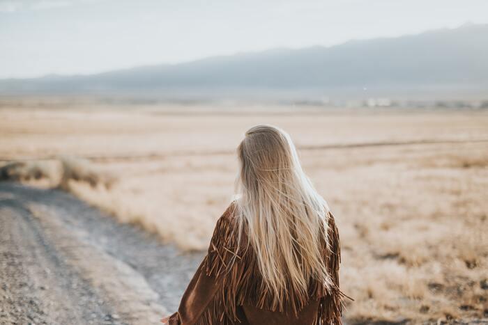 何年後にはこういうことをしているだろうな、こんな風になるだろうな、という現実的なものはもちろん、「〇〇に挑戦して〇〇な暮らしをしたい」など前向きな「理想」を広げていきましょう。俯瞰した視野を持つことで、今、自分がやるべきことや行動した方がいいことなどが浮かび上がってくるはずですよ。 。